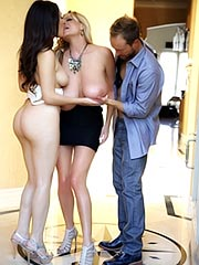 Valentina Nappi in hot threesome action